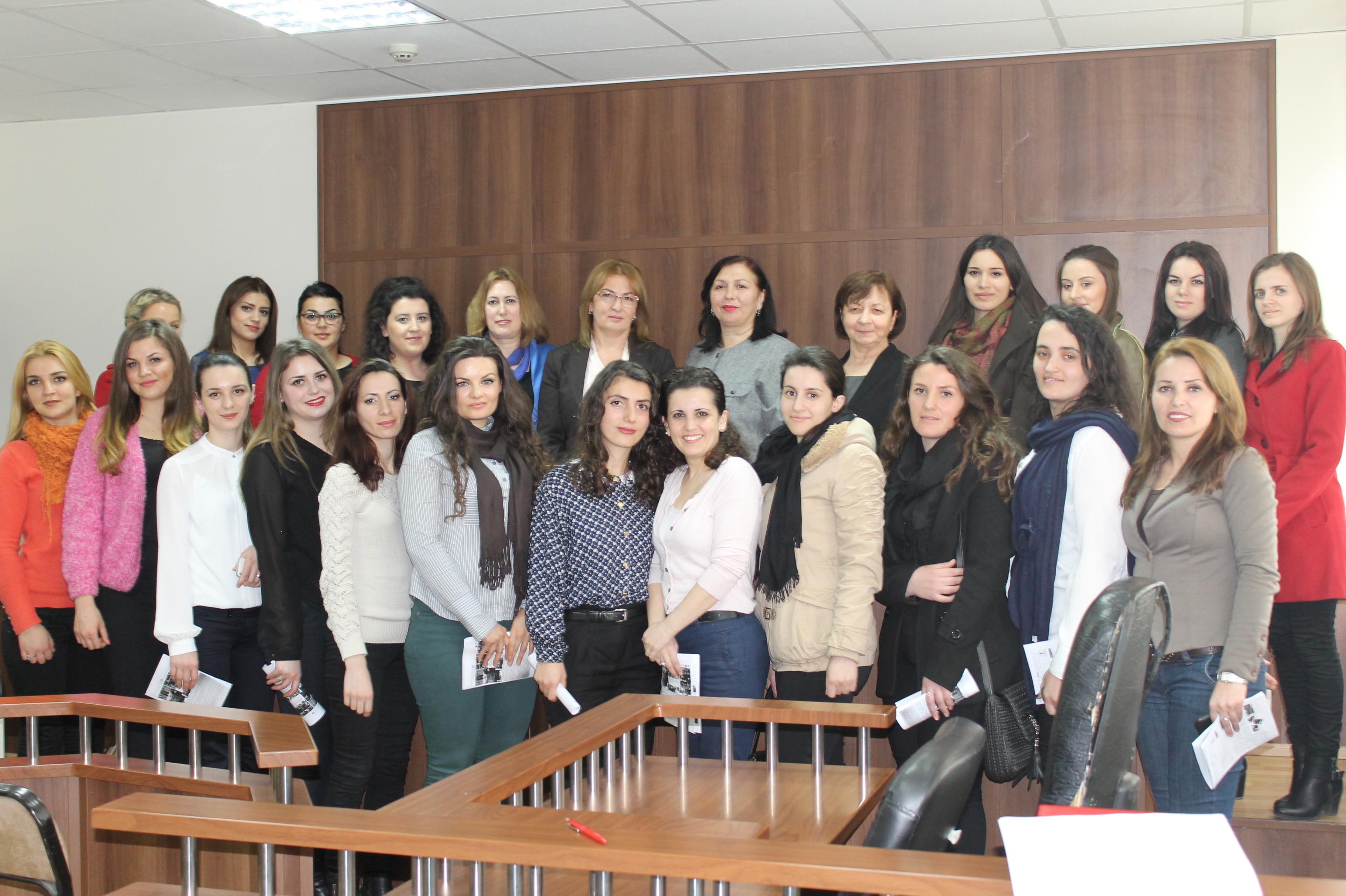 Forumi i gjyqtareve dhe prokuroreve në takim me praktikantët e gjykatës dhe prokurorisë