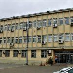 Gjykata i cakton masën e paraburgimit dy (2) të pandehurve të dyshuar për falsifikim të parasë